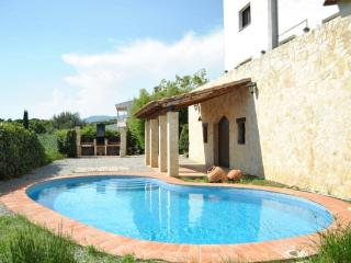 Delightful Villanueva casa for 16 guests only 30 minutes from Mediterranean beaches! - Cardedeu vacation rentals