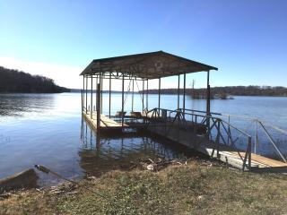 GREAT NASHVILLE LAKEHOUSE, FAMILY-FRIENDLY HOME! - Lebanon vacation rentals