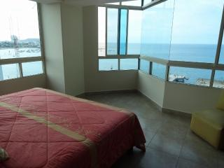 UNFORGETTABLE OCEANFRONT CONDO IN SALINAS' MALECON - Ecuador vacation rentals