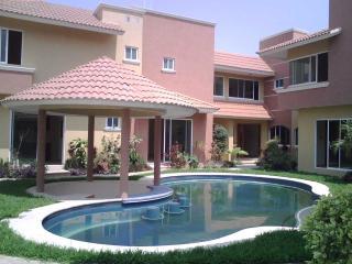 SUITES EL CONCHAL - Boca del Rio vacation rentals