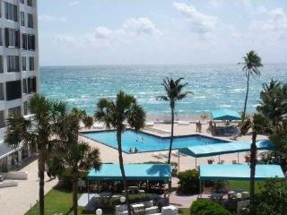 Beach front luxury Alexander Towers Diplomat Resid - Hollywood vacation rentals