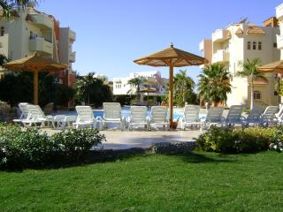 hurghada resort apartment for max 20 persons - Hurghada vacation rentals