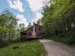 Hocking Hills Cabin with Hot Tub and Game Room - Sugar Grove vacation rentals