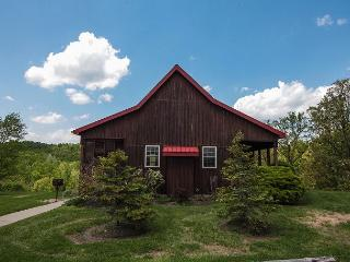 Hocking Hills Cabin with Beautiful View - Hocking Hills vacation rentals