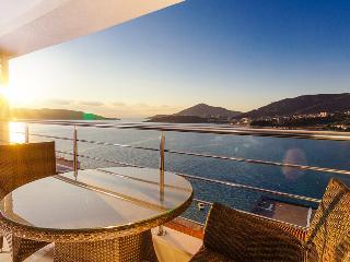 Frontline apartment Rafailovici - Rafailovici vacation rentals