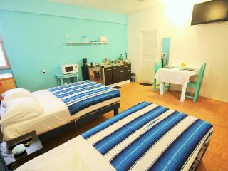 Blue studio,4 blocks from beach!! bikes available! - Playa del Carmen vacation rentals