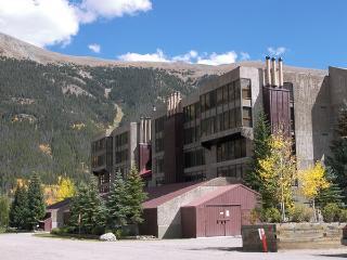 Snowflake 1 Bed plus Den 2 Ba - Copper Mountain vacation rentals