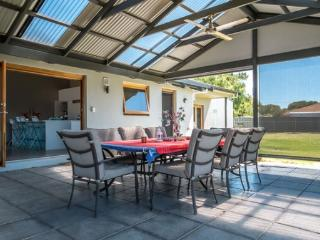Unwind @ Goolwa Escape - Goolwa vacation rentals