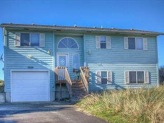 Pacific Sunset (WAS HAMILTON)  Ocean front, Waldport, - Waldport vacation rentals