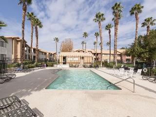 2BR/2BA Beautiful Bermuda Dunes Condo, Sleeps 5 - California Desert vacation rentals