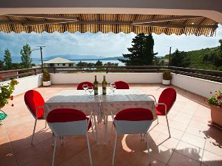 Apartmani Vila Filipovic - Drvenik vacation rentals