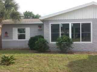 Great little beachside home!  Walk to beach! - De Leon Springs vacation rentals