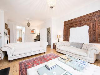 Bright and spacious family house in Hammersmith with a large garden - Cowden vacation rentals
