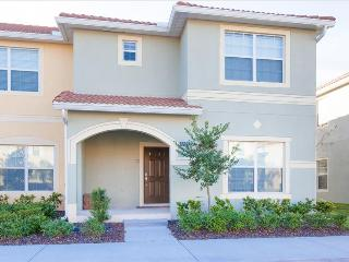 8855 PARADISE PALMS RESORT - 5 BDR/4 BA  Amazing Award Winner Lakefront TH - Splash Pool - 7 miles t - Kissimmee vacation rentals