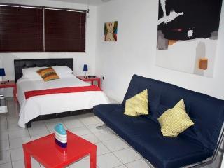 Handy Studio - Coconut Grove vacation rentals
