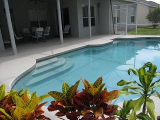 Hampton Lakes 4 Bedroom Home Private Pool Free Wi-Fi - Davenport vacation rentals