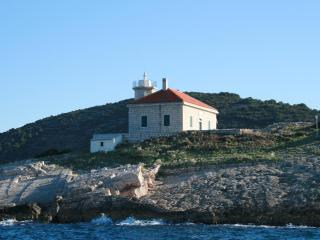 The Lighthouse Host - Vis vacation rentals