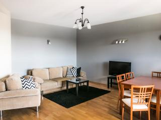 Accommodo Naukowa Warsaw City Apartment- 4 Sleeps - Warsaw vacation rentals