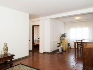 VILLA CARDINAL, TIVOLI, APT.HADRIAN - Tivoli vacation rentals