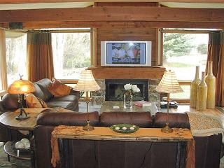 Golf_Creek12 - Great Two Bedroom Unit Close to the National Parks - Jackson vacation rentals