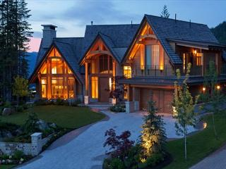 Kadenwood #2951   4 Bedroom Luxury Ski In/Ski Out Home with Private Hot Tub - British Columbia Mountains vacation rentals