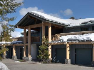 Taluswood #9 | 2 Bedroom Contemporary Chalet, Fireplace, Close to Ski Access - British Columbia Mountains vacation rentals