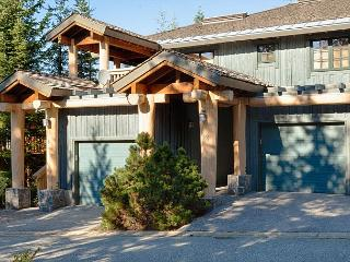 Upgraded Modern 3 Bedroom, Gas Fireplace, Private Garage, Common Area Hot Tub - Whistler vacation rentals