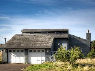 Kris' Cottage--R492 Waldport Oregon vacation rental - Newport vacation rentals