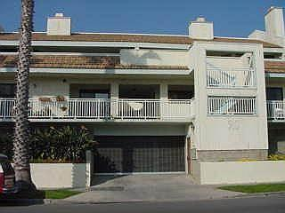 Gorgeous 2 Bedroom, 2 Bathroom House in Oceanside (910 #4 S. Pacific St.) - Image 1 - Oceanside - rentals