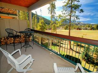 Pines Condominiums 2143 - Remodeled kitchen, spacious accommodations, golf course views! - Keystone vacation rentals