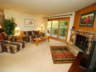 Snowdance Manor 205 - Walk to slopes, indoor pool and hot tub, Mountain House! - Keystone vacation rentals