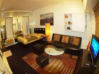 Great studio right by Grand Central and UN E45th - York vacation rentals