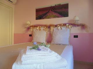 Antica Dimora - Double Room - Pisa vacation rentals