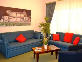 Vatican St Peter, BIG APARTMENT up to 8 people,  WIFI, SAT TV, air conditioning, garage - Rome vacation rentals