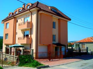 2-Rooms Apartment with garage, WiFi, pool - Dobrich vacation rentals