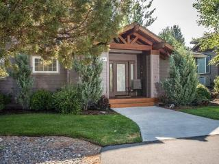 Eagle Crest 3 BR, 2.5 Bath, HOT TUB - Redmond vacation rentals