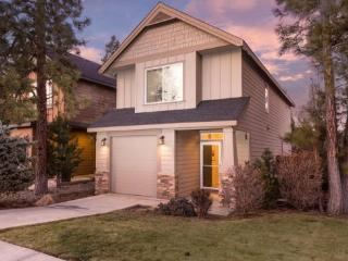 Excellent home for monthly stays for four people, 2 BR 2 .5 BA - Bend vacation rentals