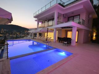 5 Bedrooms Villa Poyraz in Kalkan - Turkish Mediterranean Coast vacation rentals