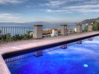 Casa Peregrina - Boca de Tomatlan vacation rentals