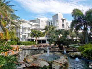 Luxurious penthouse with Gulf and golf course views! - Marco Island vacation rentals