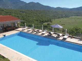 House Krnici with a olimpic swimming pool - Omis vacation rentals