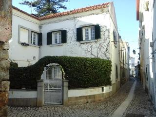 Cascais Centre - Town House -  Lisbon Coast. - Parede vacation rentals