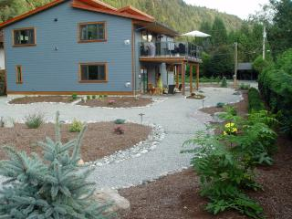 Brand new Vacation Apartment near Harrison Lake - Hope vacation rentals
