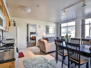 Downtown Berkeley Apartment - Middletown vacation rentals