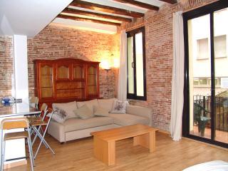 Old town 4 apartment 6 minutes from Las Ramblas - Barcelona vacation rentals