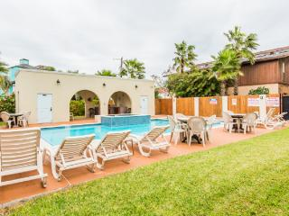 LARGE POOL/SPA, 2 GRILLS, Near Beach! Pet Friendly - South Padre Island vacation rentals
