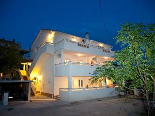 Large three bedroom apartment for 6 - Novalja vacation rentals
