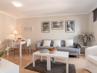 COZY APARTMENT Sant Antoni Market - Barcelona vacation rentals