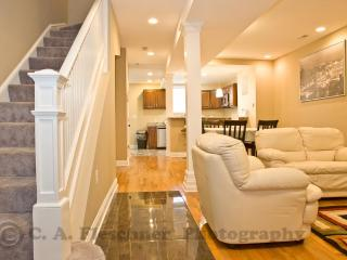5 Bedrooms for Family & Friends - Washington DC vacation rentals