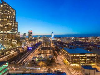 Spectacular Penthouse Accommodates 13! - Philadelphia vacation rentals